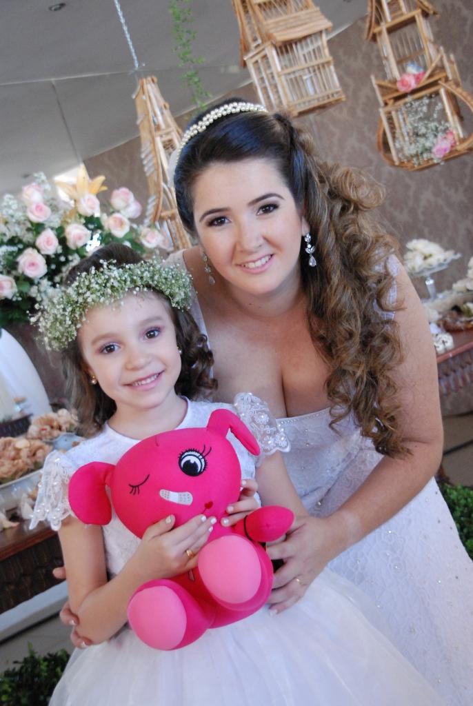 noiva e daminha Maria Eduarda